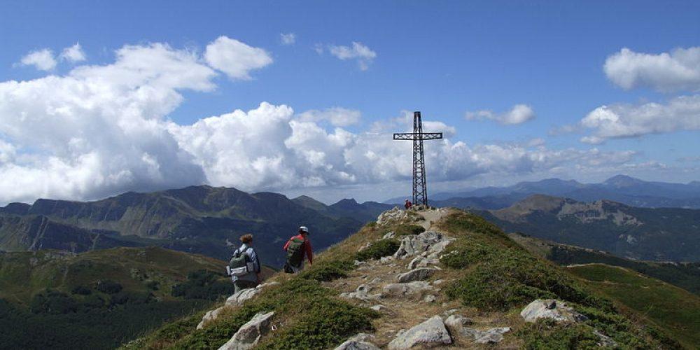 Trekking on  Monte Gomito